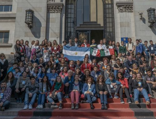 """III Encuentro de jóvenes comprometidos con el medio ambiente Museo Argentino de Cs. Naturales """"Bernardino Rivadavia"""" y Fundación Solydeus."""